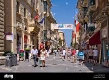 Malta Shopping Street Stockfotos &