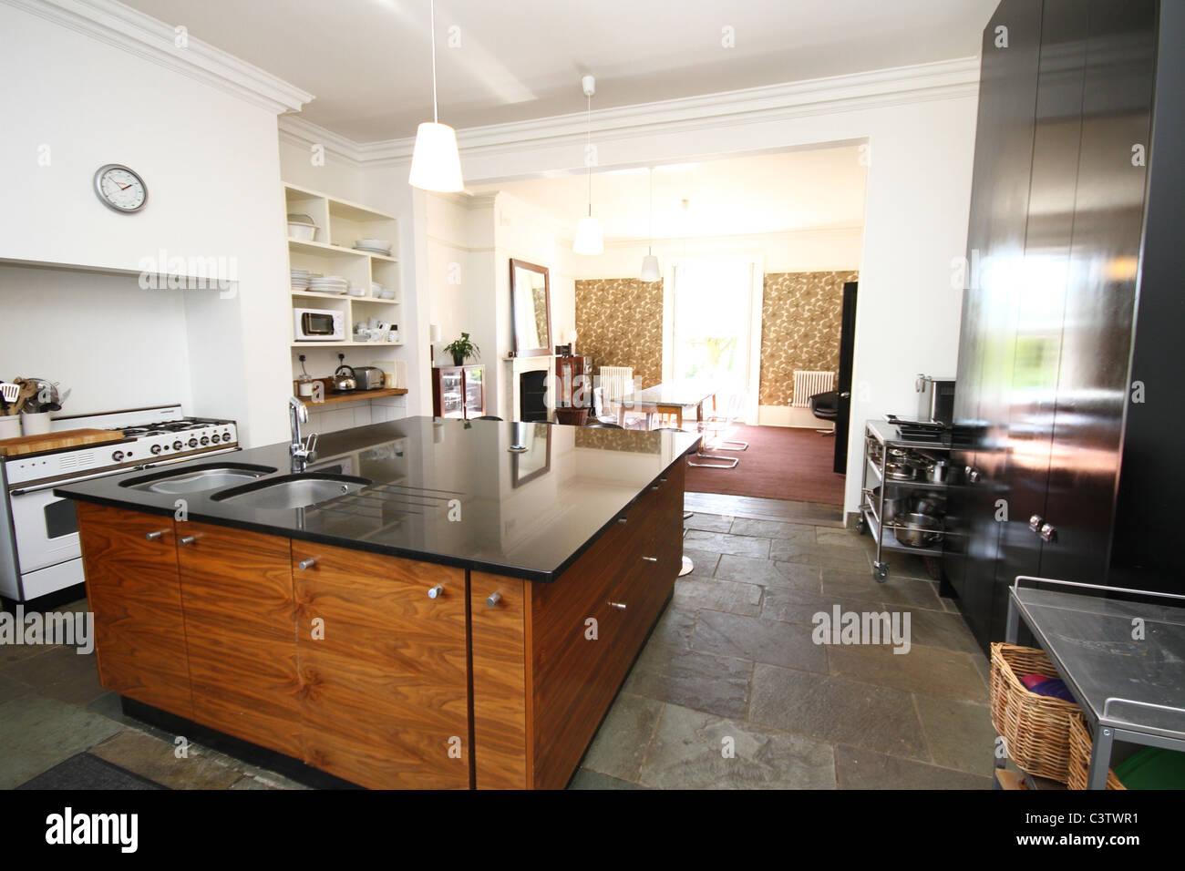 wand hinter arbeitsplatte k che k chenr ckw nde. Black Bedroom Furniture Sets. Home Design Ideas