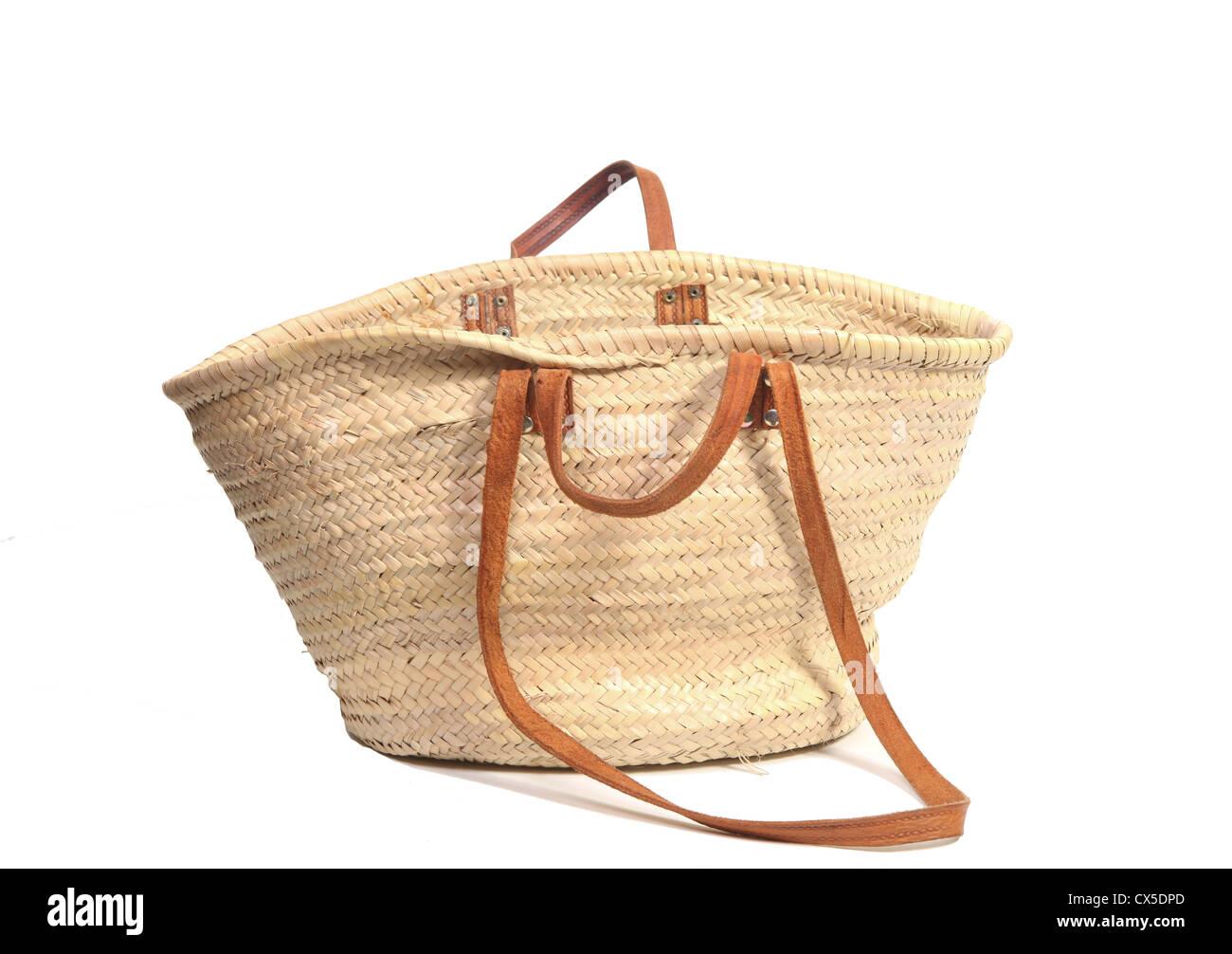 5a0891e7f67e9 Leeren Offenen Korb Tasche Auf Weiß Stockfoto Bild 50522373 Alamy