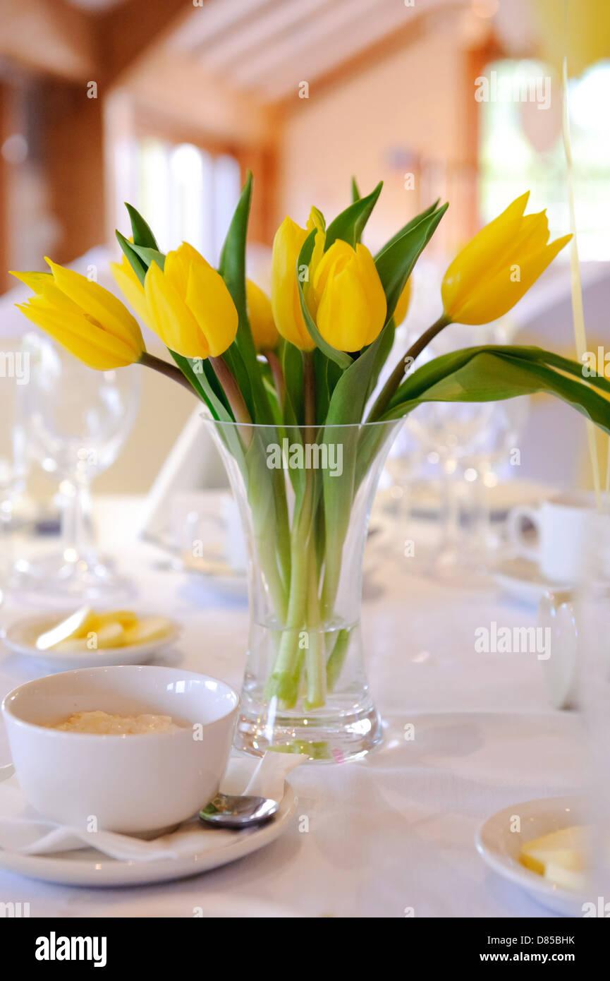 Tischdekoration Tulpen Tulpen In Erde H 15cm Rosa Depot De