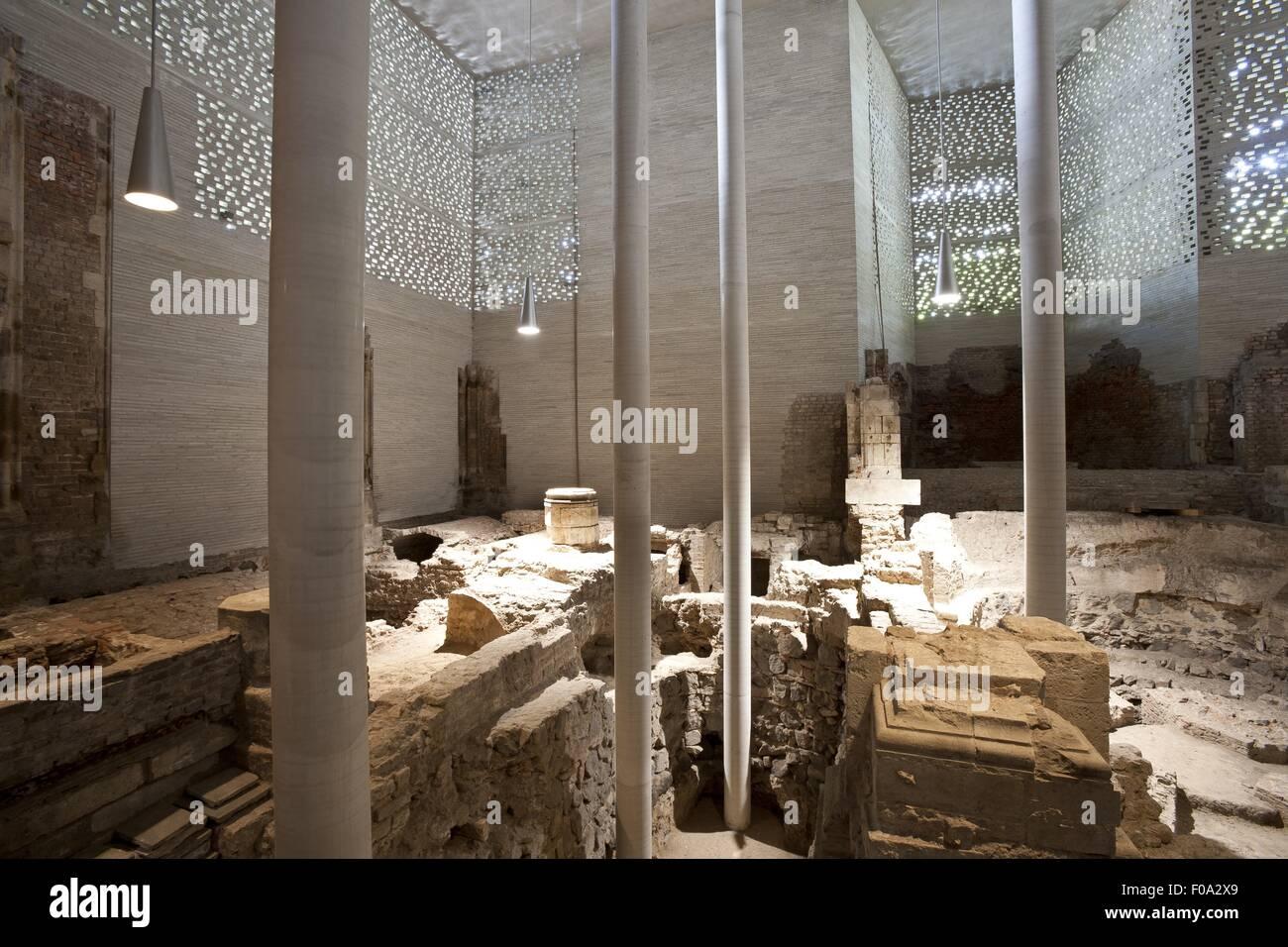 Ruins Of St Kolumba Museum In Cologne Stockfotos  Ruins