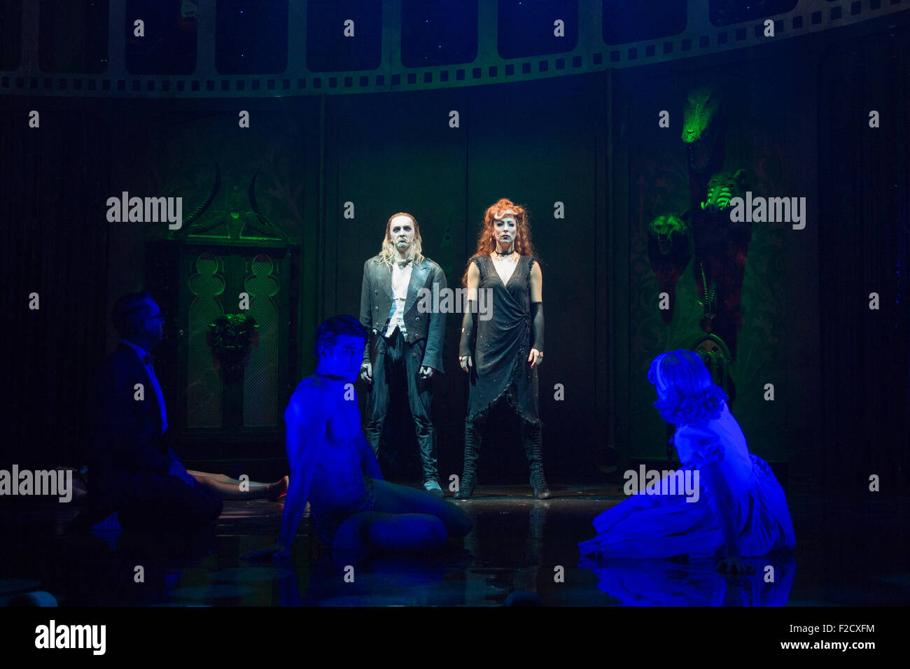 Forster Konfetti Roter Teppich Rocky Horror Show Stage Stockfotos And Rocky Horror Show