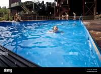 Schwimmbad Stockfotos & Schwimmbad Bilder - Alamy