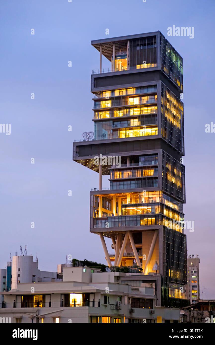 Mukesh Ambani Besitz Antilla/Antilia - teuerste Privathaus der Welt in Mumbai Stockfoto. Bild: 116715702 - Alamy