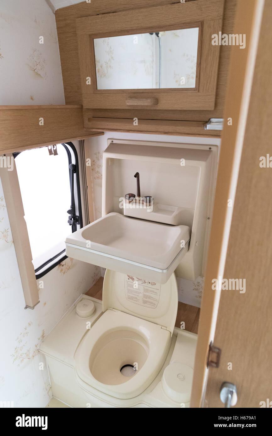 Wohnwagen Badezimmer Erneuern