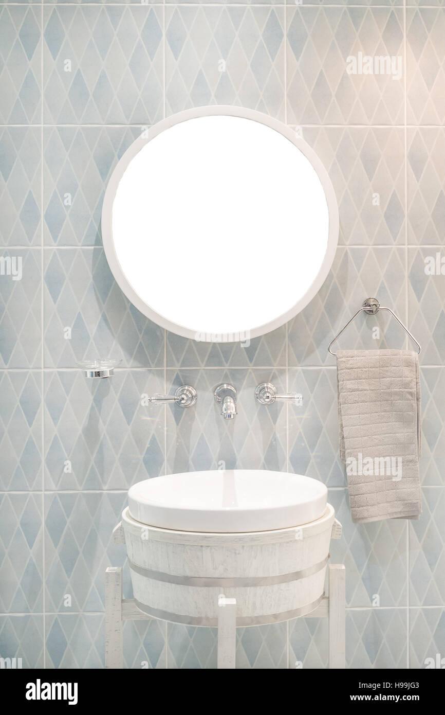 Waschbecken Mit Wasserhahn Simple Badarmatur Waschtisch