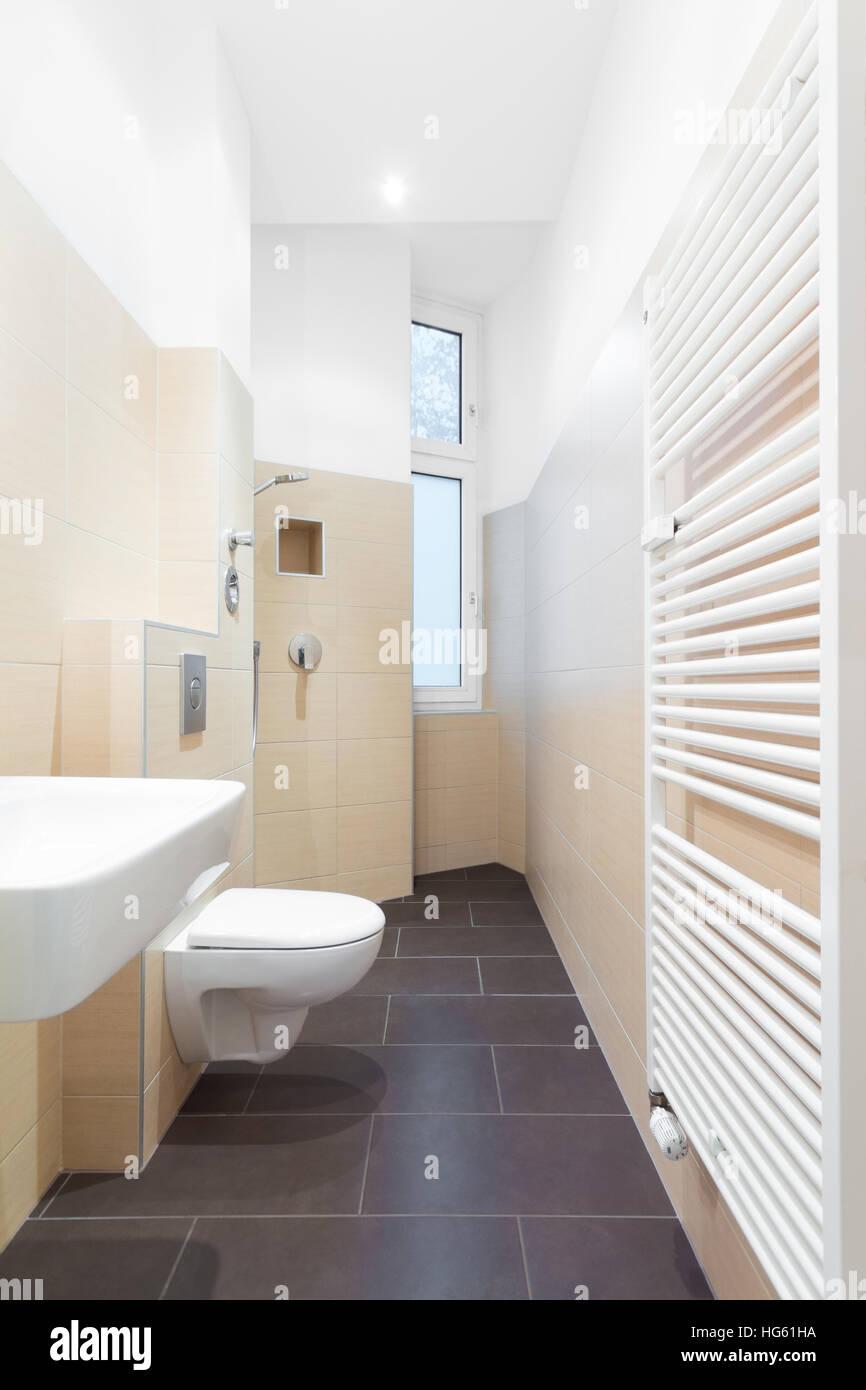 Moderne Duschen Gefliest Azulejo De Piso Que Continua Por Uno De