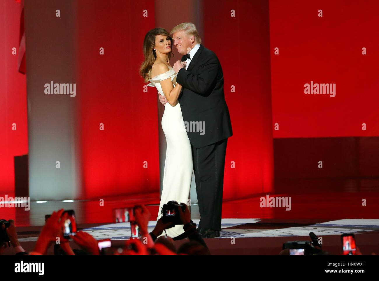 Trump Roter Teppich Melania Frank Sinatra In Stockfotos And Frank Sinatra In Bilder Alamy