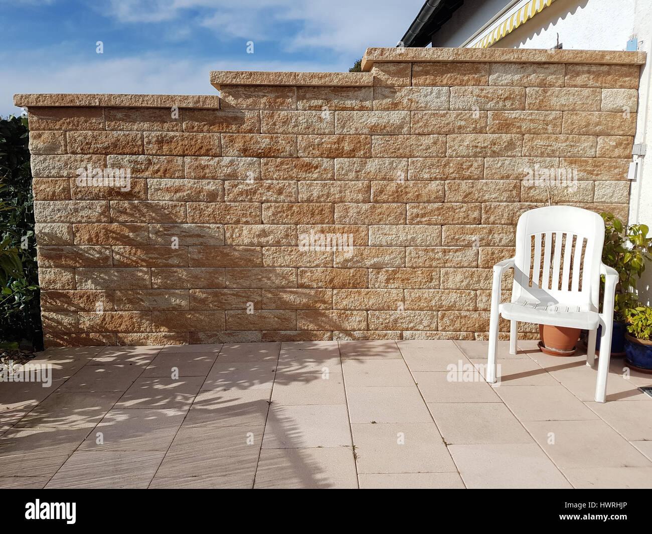 Sichtschutzmauer Terrasse Im Und Um Haus Und Garten Steingarten