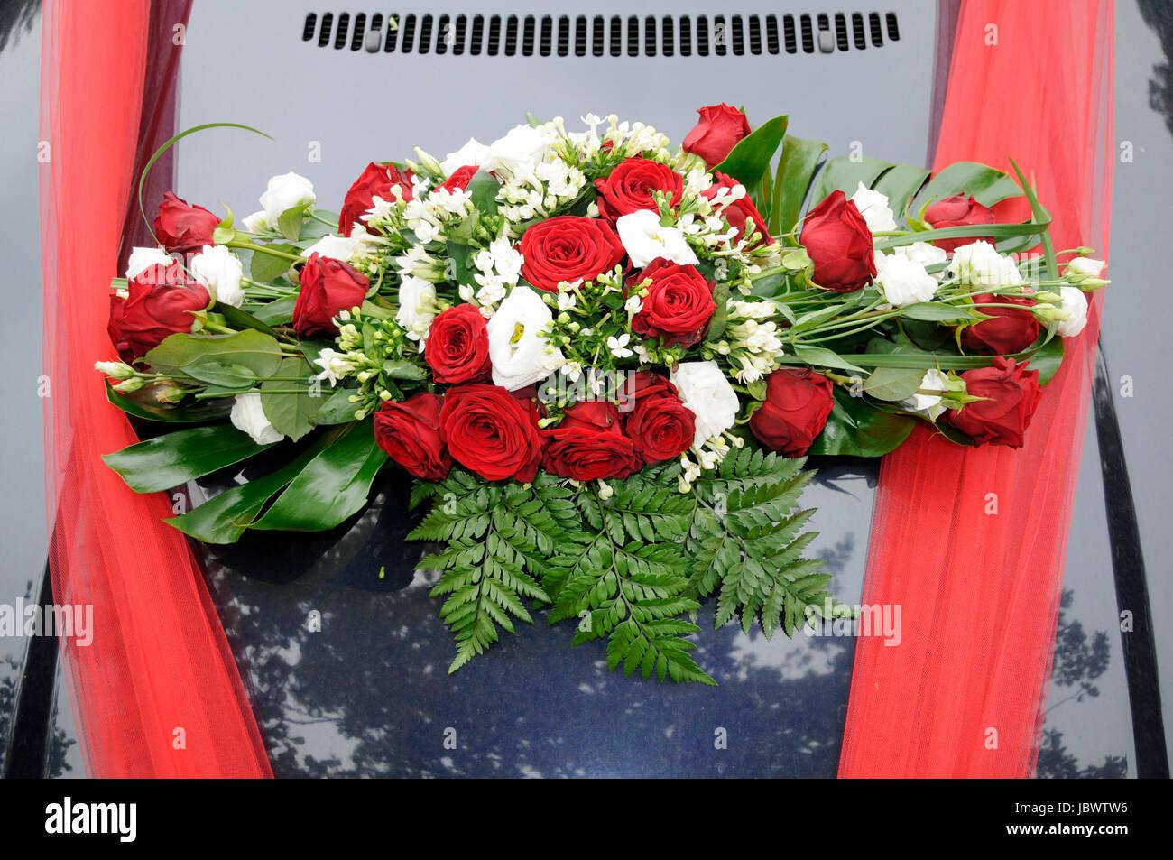 Blumenschmuck Auto Hochzeit Hochzeitsfloristik Bei Altstadt