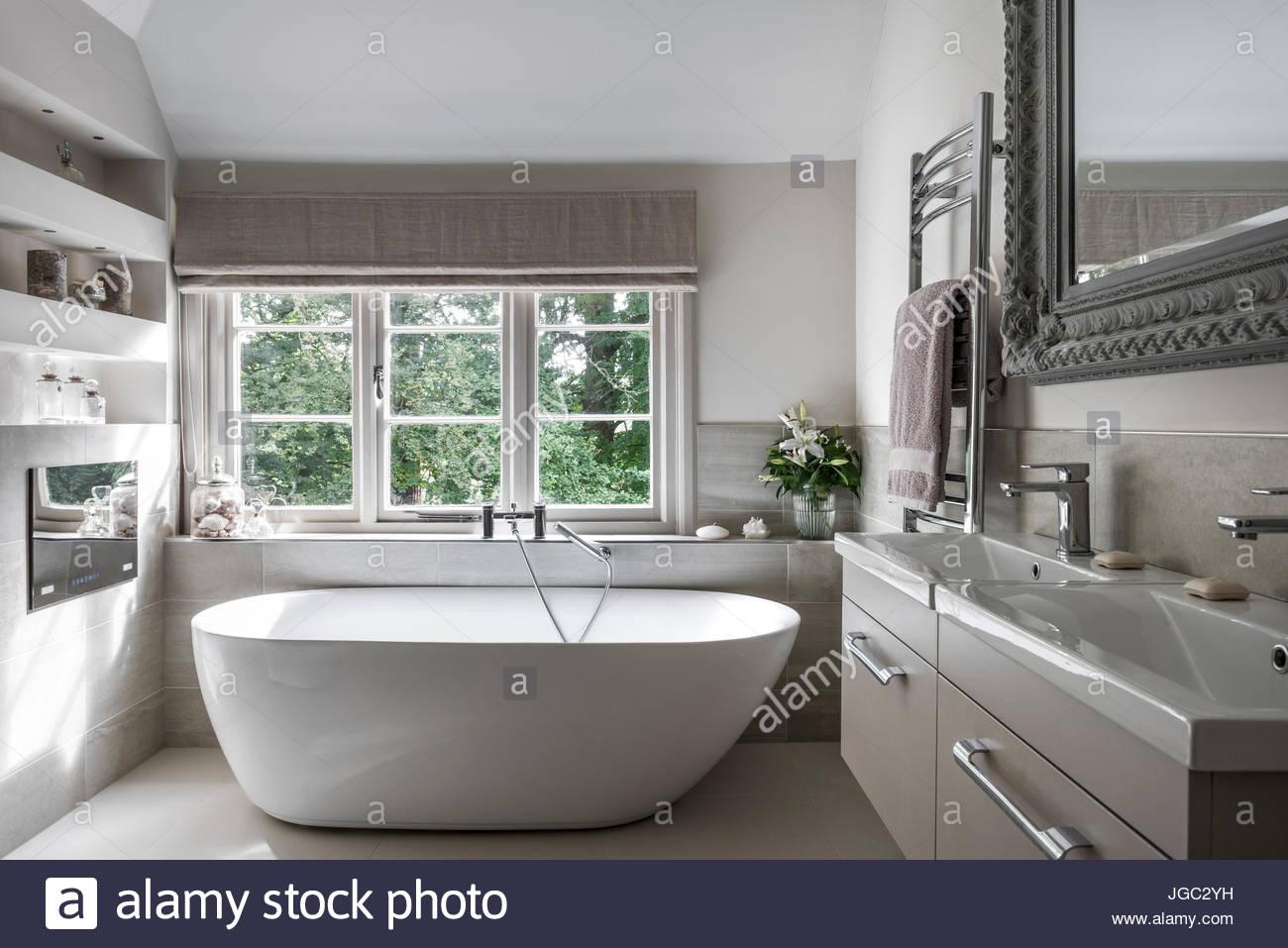 k che waschbecken unter fenster ferienwohnung am hohenwartestausee. Black Bedroom Furniture Sets. Home Design Ideas