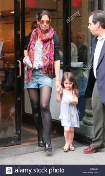 Katie Holmes Und Tochter Suri Cruise. Findet