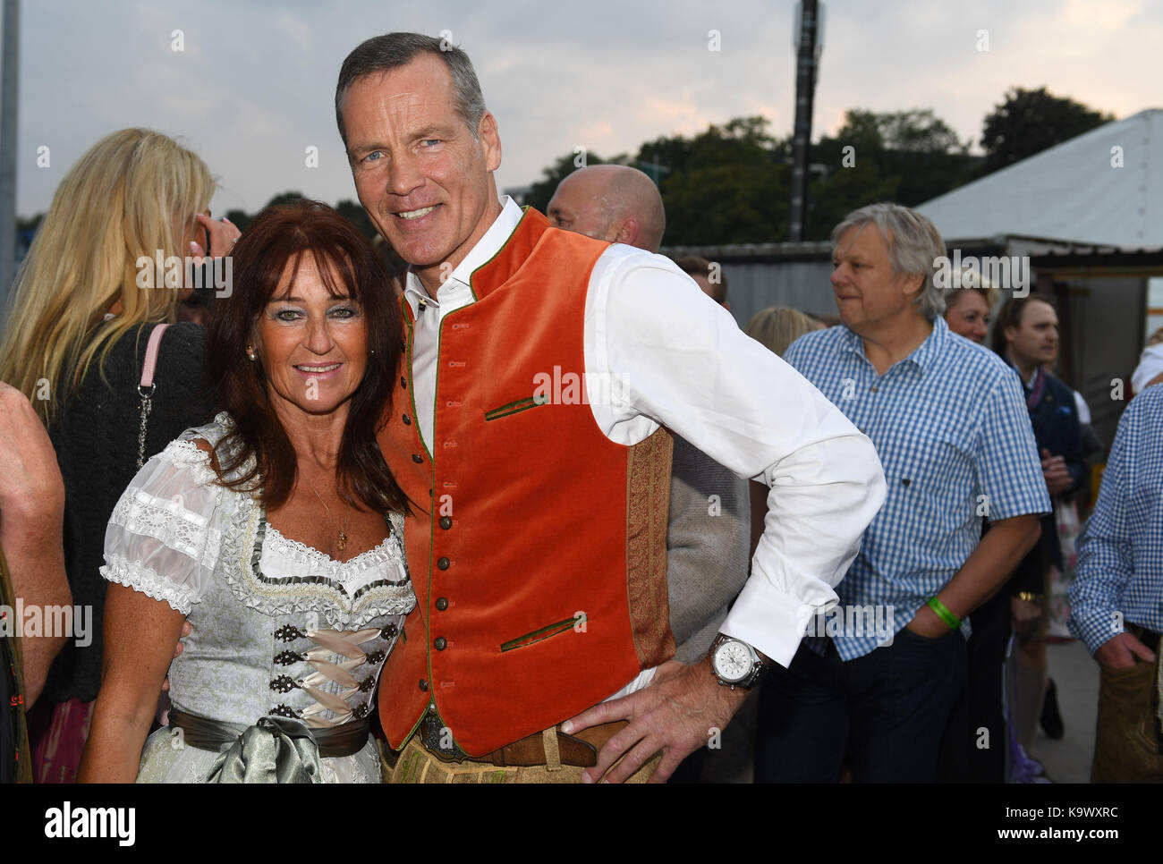 Roter Teppich Zelt His Wife Manuela Stockfotos And His Wife Manuela Bilder Alamy