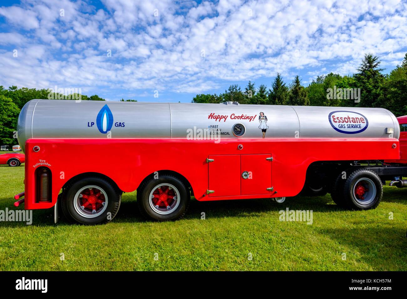 Jahrgang Tankwagen Fur Den Transport Essotane