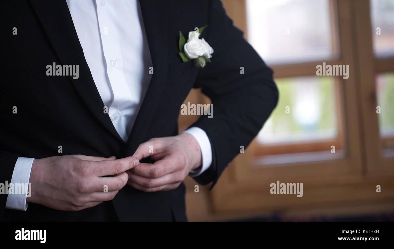 Elegantes Kostum Hochzeit