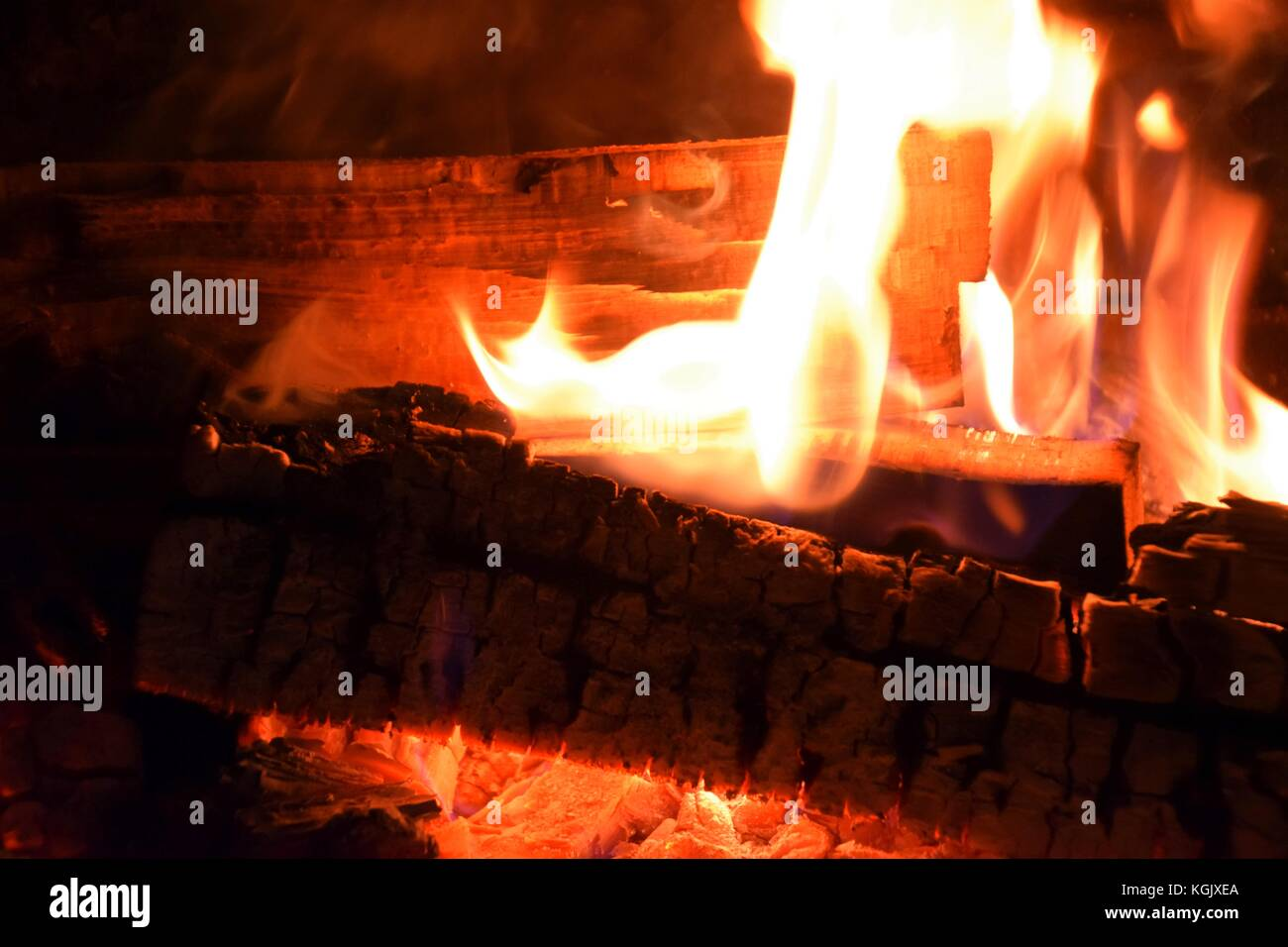 verbrennen von holz im garten | dobar metall gartenkamin a förmig