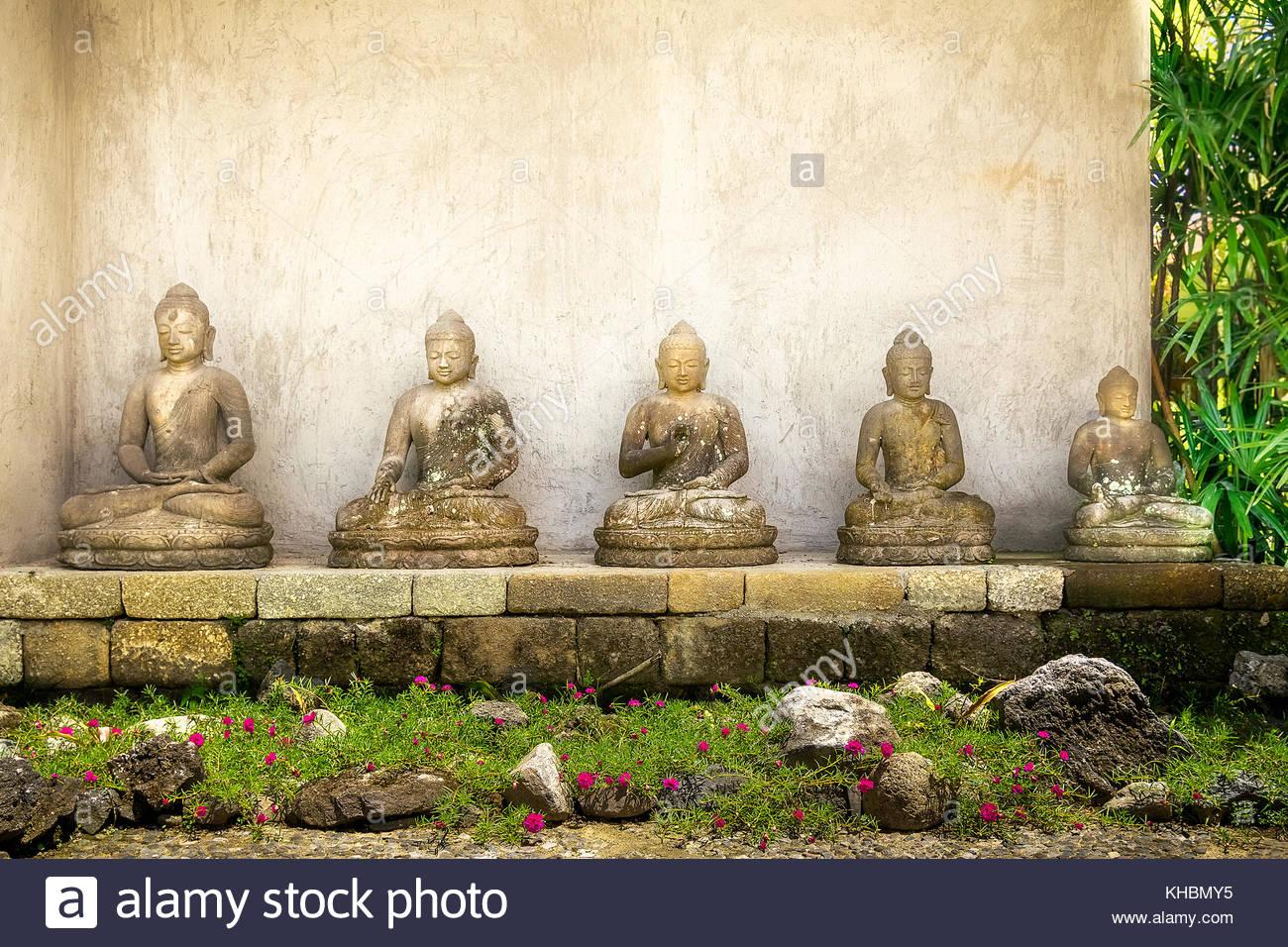 Buddha Im Garten Steinfigur Buddha Figur Skulptur Garten Deko Koi