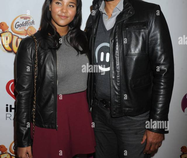 New York Ny Dezember 12 Sasha Gabriella Fox Rick Fox Besucht Z 100 S Jingle Ball Im Madison Square Garden Am  In New York City People