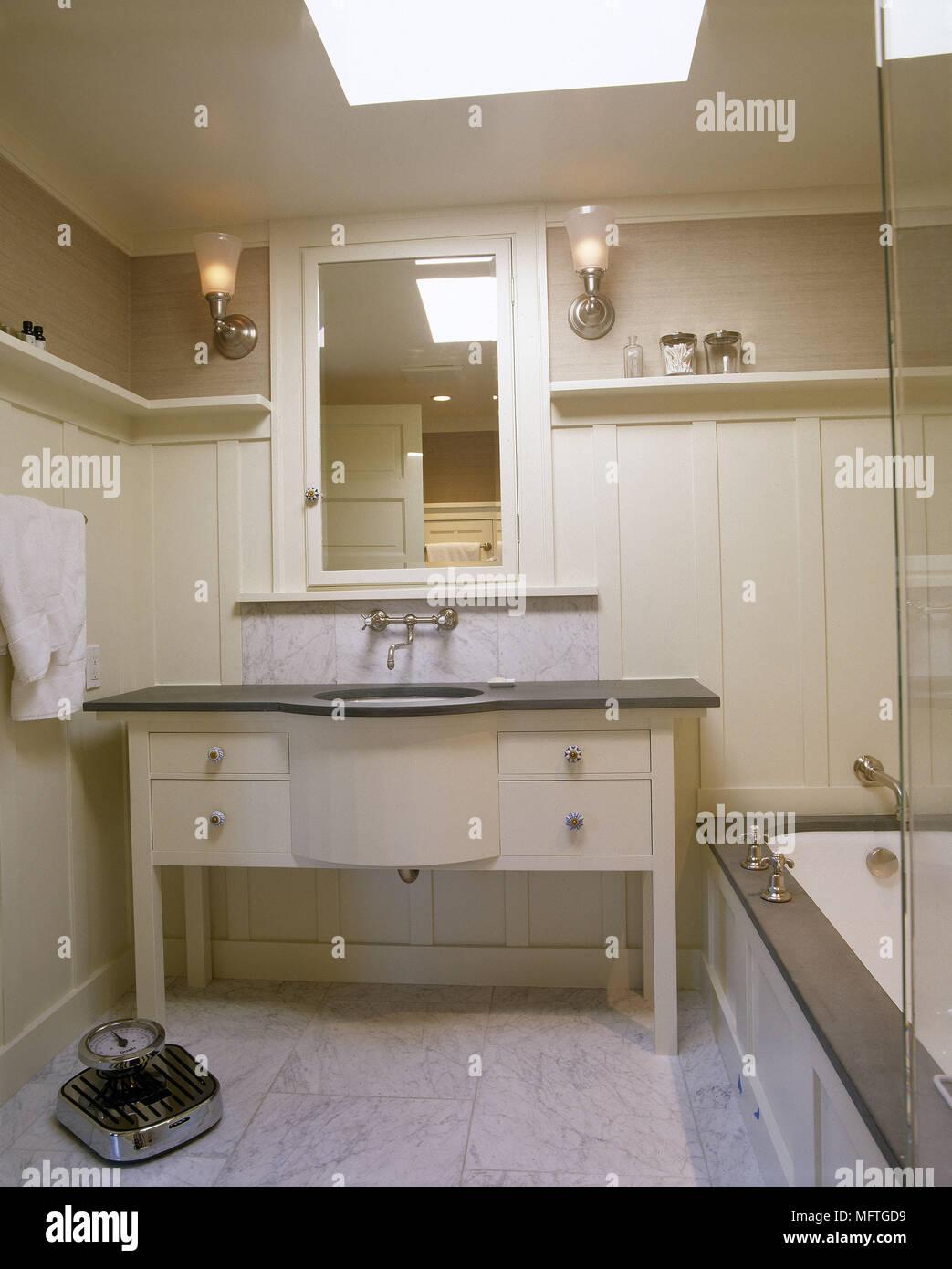 Badezimmer Set Mit Waschbecken Waschbecken Schrank Im