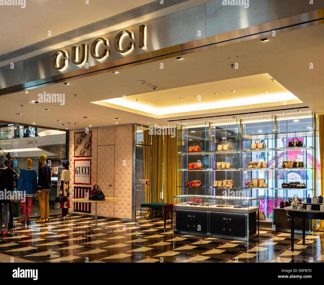 Boutique Gucci Stockfotos und -bilder Kaufen - Alamy