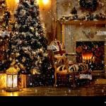 Weihnachten Dekoration Im Gemutlichen Haus Loft Kamin Weihnachtsbaum Gitarre Stuhl Dekoration Spielkisten Teppiche Kerzen Laterne Kerzenhalter Grosse Uhren Stockfotografie Alamy