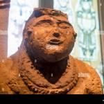 Antike Figur Aus Ton Archaologische Finden Im Museum Stockfotografie Alamy