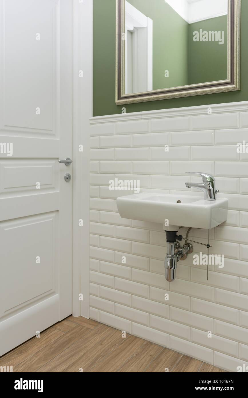 Badezimmer In Grun Wohndesign Kleines Moderne Dekoration