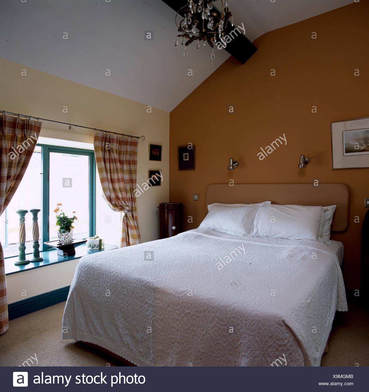 Schlafzimmer Dachgeschoss Geraumige Dachgeschoss Schlafzimmer Mit