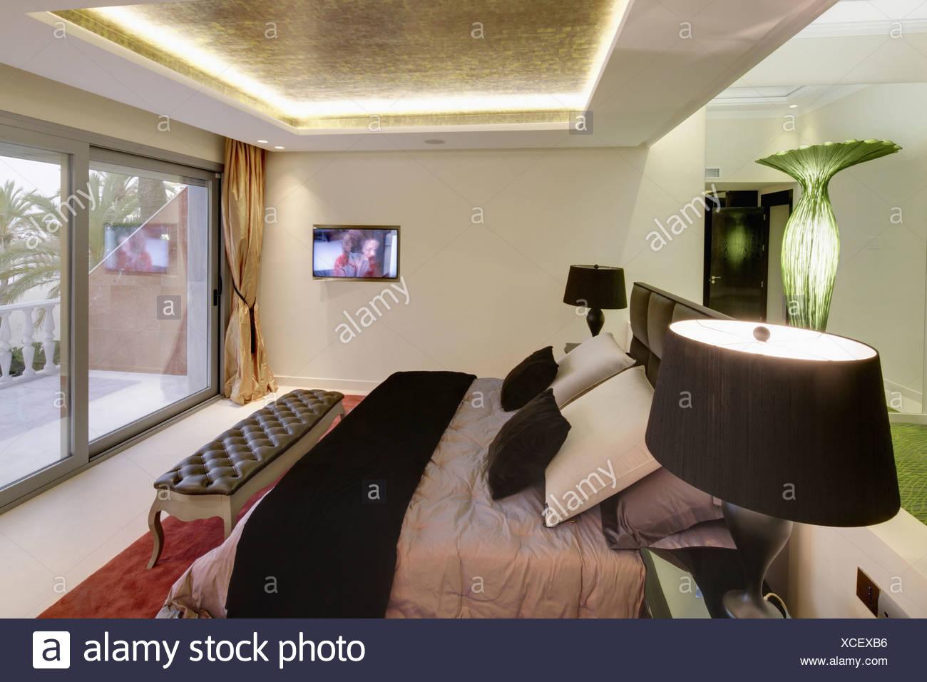 Schlafzimmer Lampe Schwarz Tischleuchte In Schwarz Gold Fur Ihr