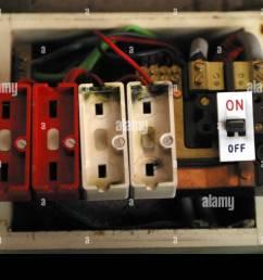 el viejo estilo de cable sin caja de fusibles fusibles instalados imagen de stock [ 1300 x 956 Pixel ]