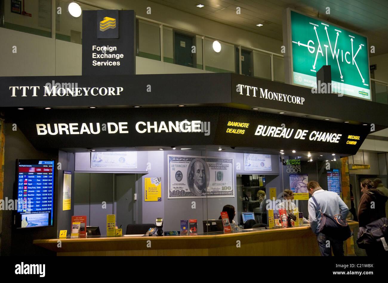 ttt moneycorp bureau de change office terminal sur del aeropuerto de gatwick londres uk