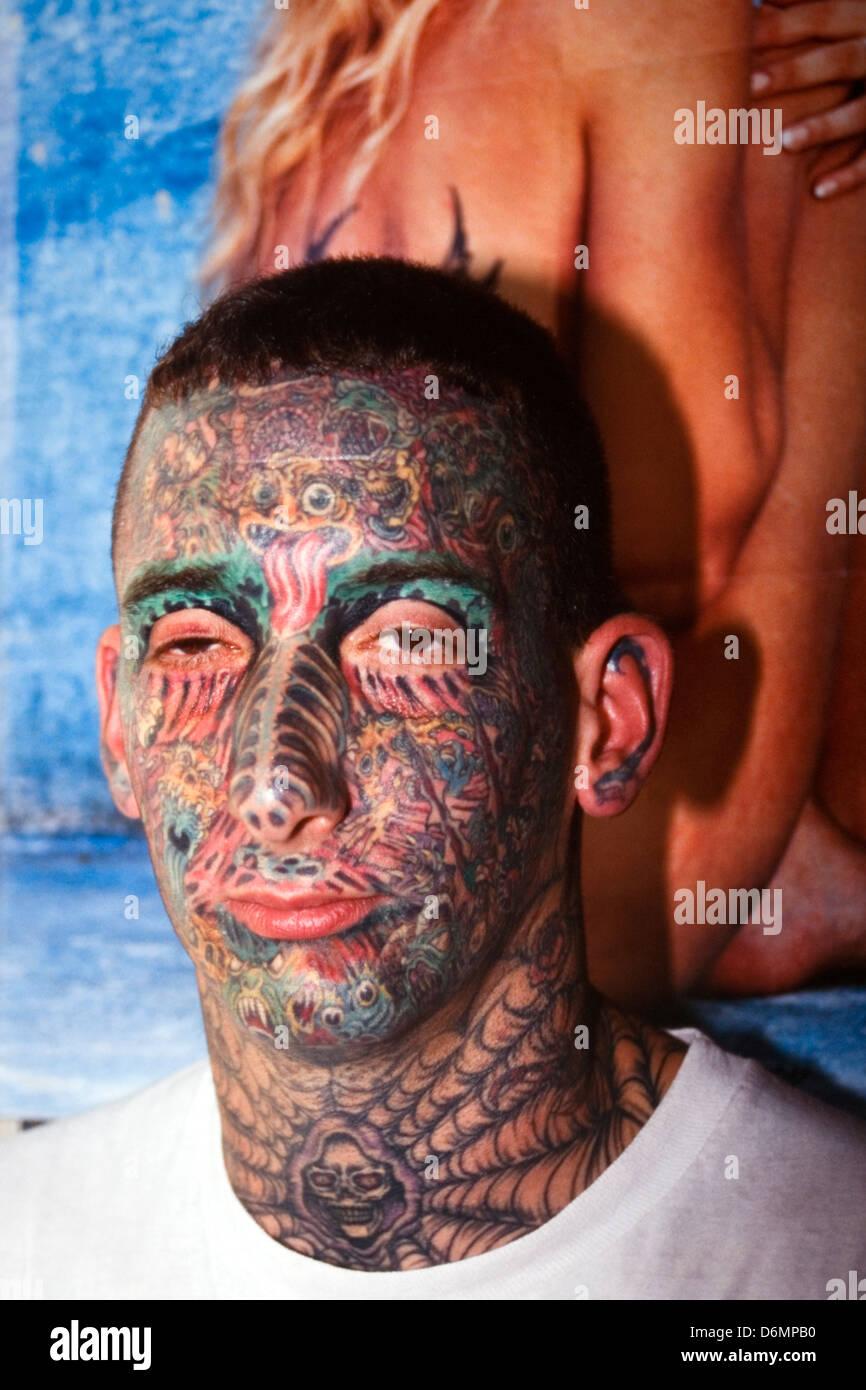 Hombre Con Cara De Pesado En El Dunstable Tatuaje Tatuajes Y Body