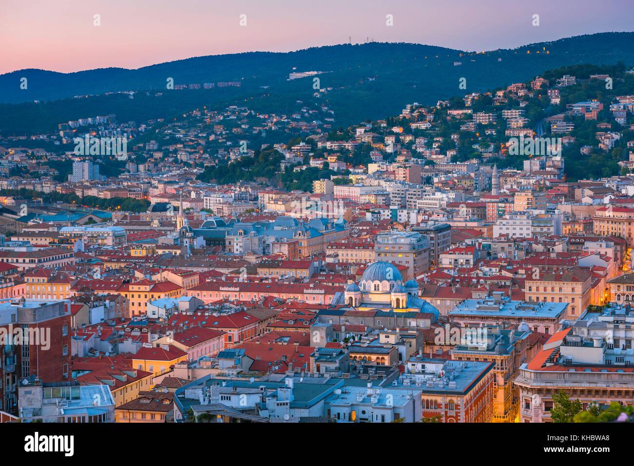 La ciudad de Trieste Italia vista area del centro de