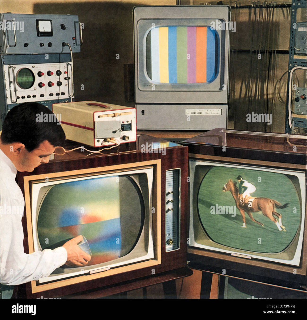 https www alamyimages fr photo image broadcast television brochure promotionnelle systeme tv couleur secam france vers 1965 droits additionnels clearences non disponible 48422182 html