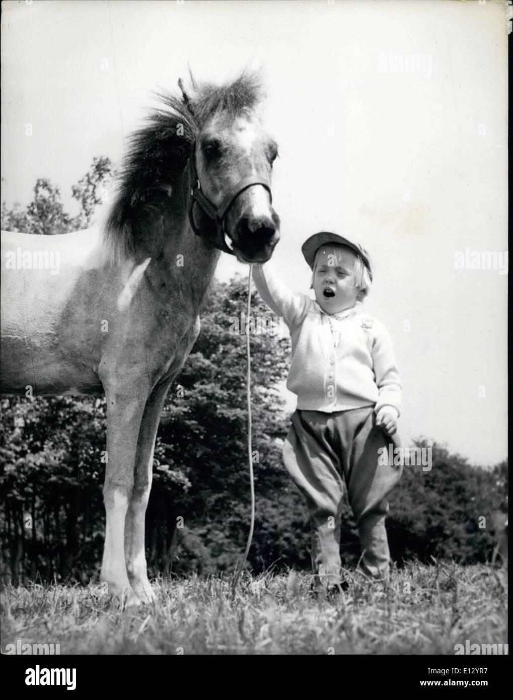 Le Plus Petit Cheval Du Monde : petit, cheval, monde, Février, Petit, Cheval, Monde, Jockey, Miniature, Thumbelina,, Miniature,, Penny, Streatfield., Super