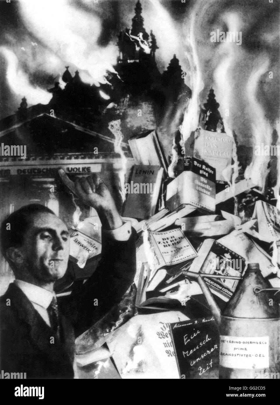 Autodafés De 1933 En Allemagne : autodafés, allemagne, Photomontage, Heartfield, Lumière, L'obscurité'., Autodafé, Berlin,, Environ, Livres, été, Brûlés, L'ordre, Ministre, Allemand, Propagande, Goebbels.