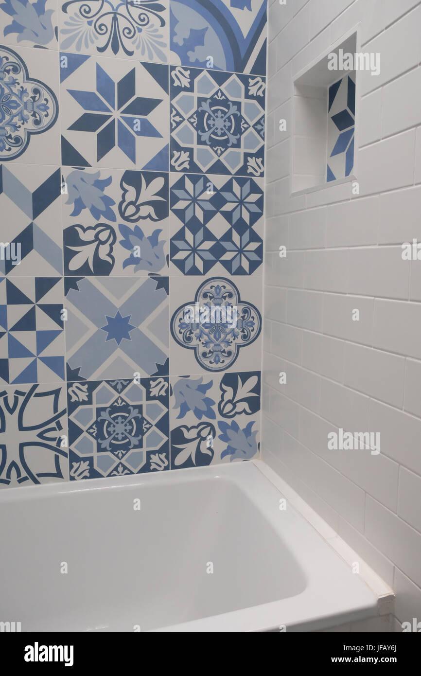 Niche Murale Dans Salle De Bain Et Mosaique · Shower Room Niche Photos  Shower Room Niche Images Alamy