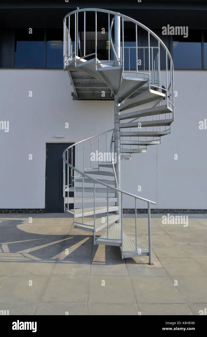 Escalier Exterieur Acier Galvanise 26 Galerie De Escalier En Acier