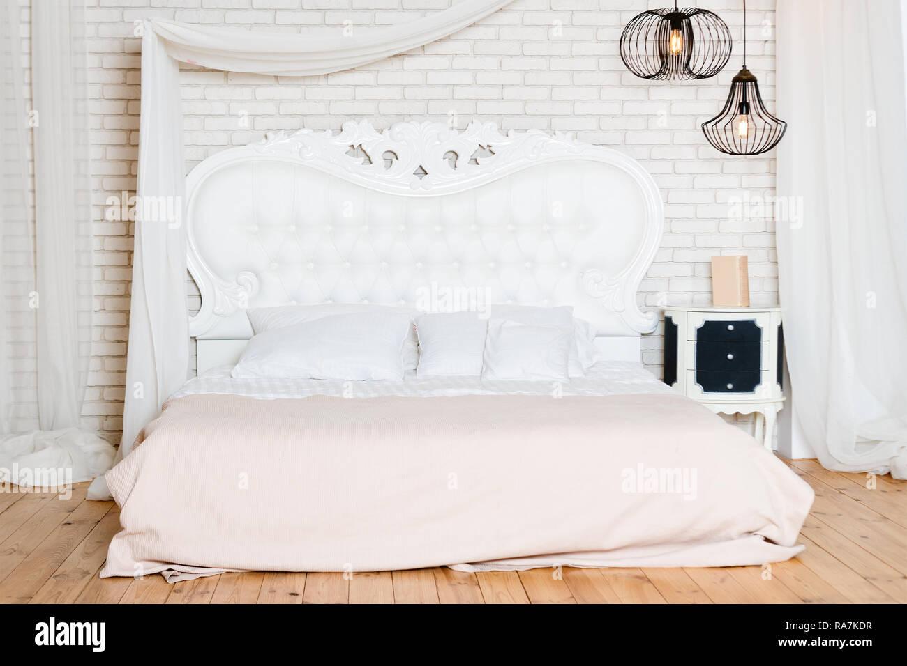 Lit King Size Au Loft Style Loft Avec Chambre à Coucher Design