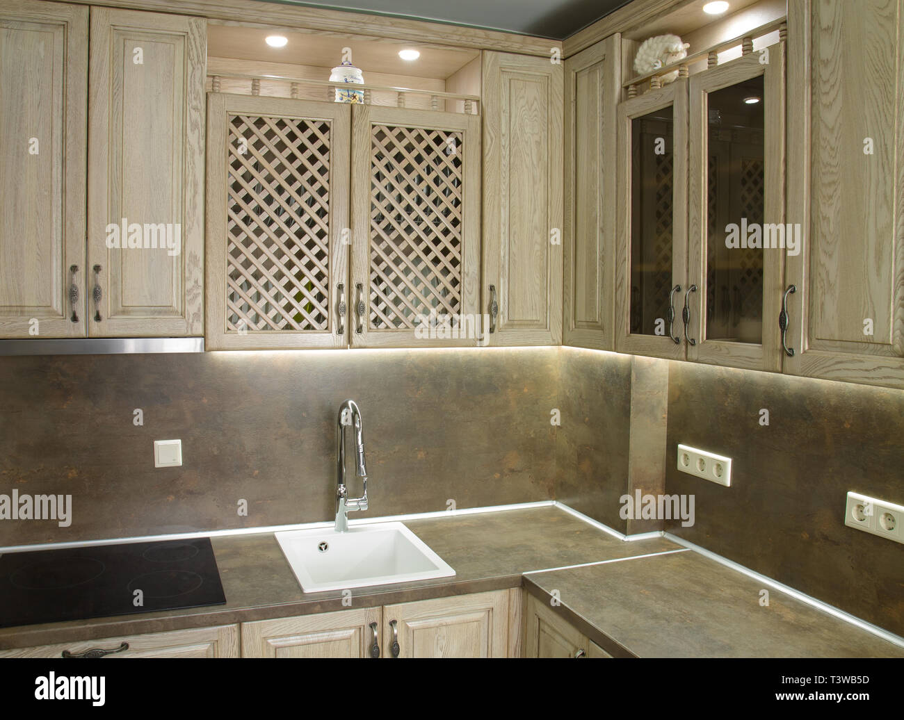 Details De Style Vintage Meubles De Cuisine En Couleur Marron Beige Photo Stock Alamy