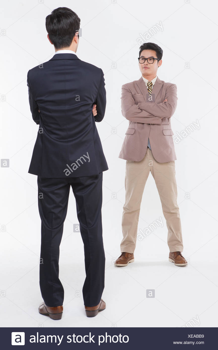 Deux Hommes En Costume : hommes, costume, Hommes, Costumes, Debout, Croisés, Photo, Stock, Alamy