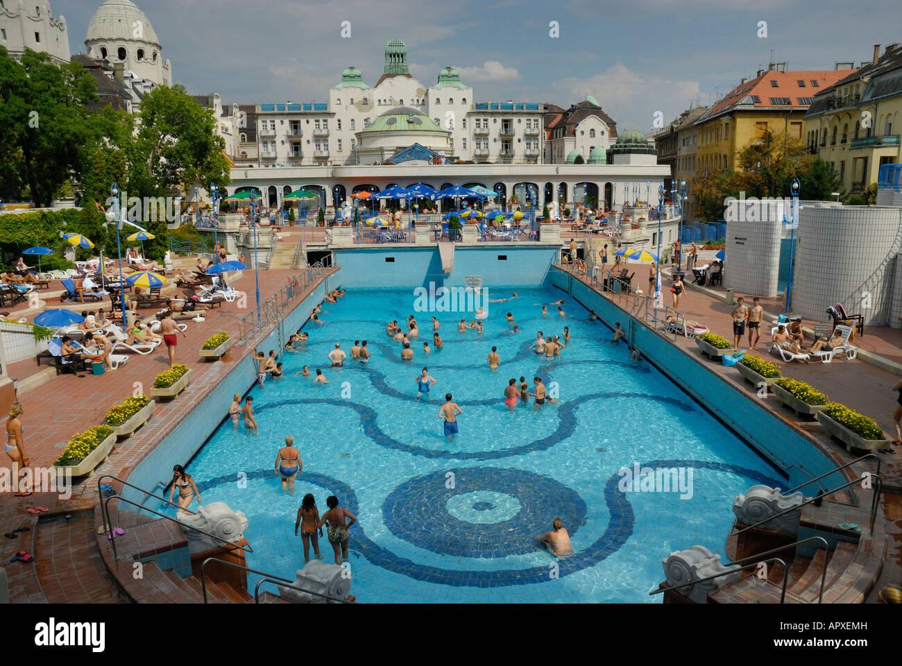 GELLERT BAGNI TERMALI BUDAPEST Ungheria Foto  Immagine Stock 15879376  Alamy