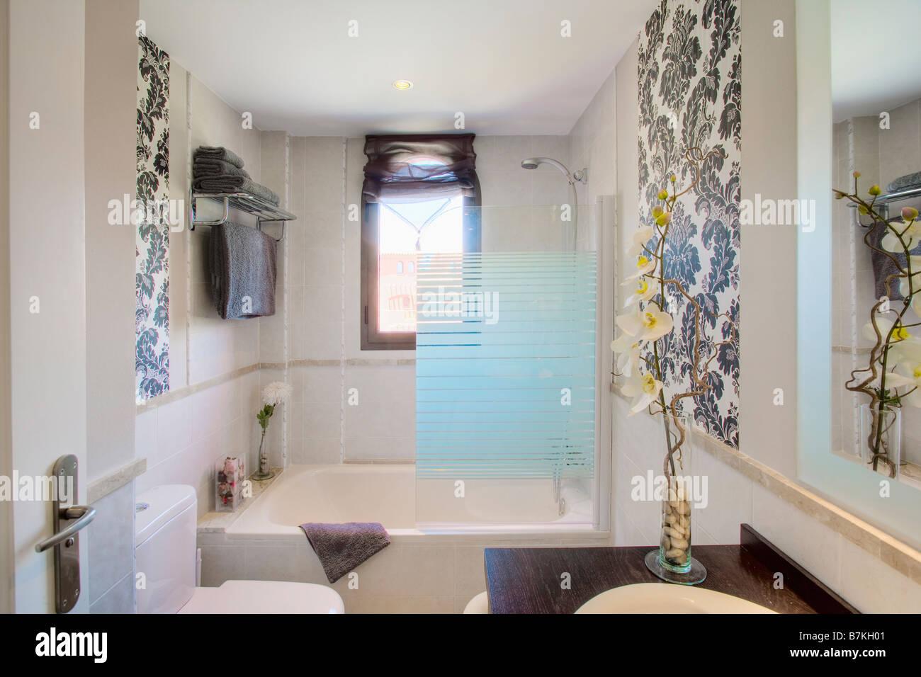 Bagno Moderno Con Vasca Da Bagno : Bagno moderno con gradino la migliore idea di interior design e