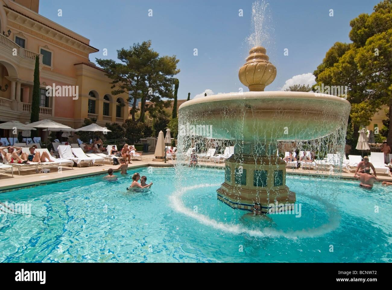 Lussuosa piscina del Bellagio Resort e Casin di Las Vegas Foto  Immagine Stock 25067030  Alamy