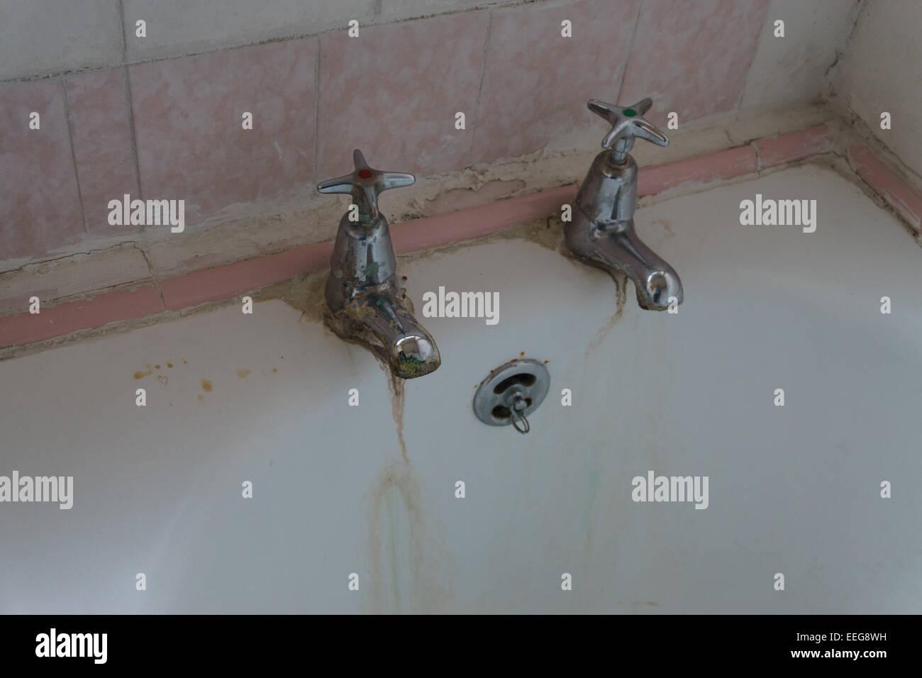 Vasca Da Bagno All Inglese : Misure e dimensioni comuni delle vasche da bagno acquablu
