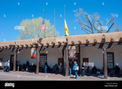 Stati Uniti d'America New Mexico NM Santa Fe Plaza - Palazzo dei Governatori e il Nuovo Messico History Museum Immagini Stock