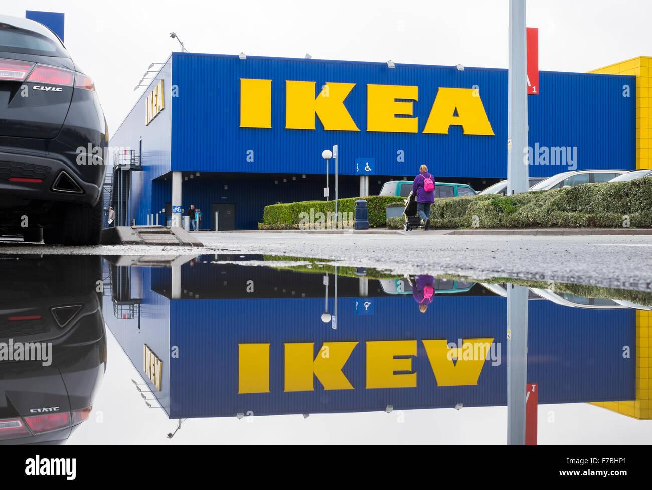 Negozio Ikea A Roma Anagnina Birmingham Uk Si Riflette In