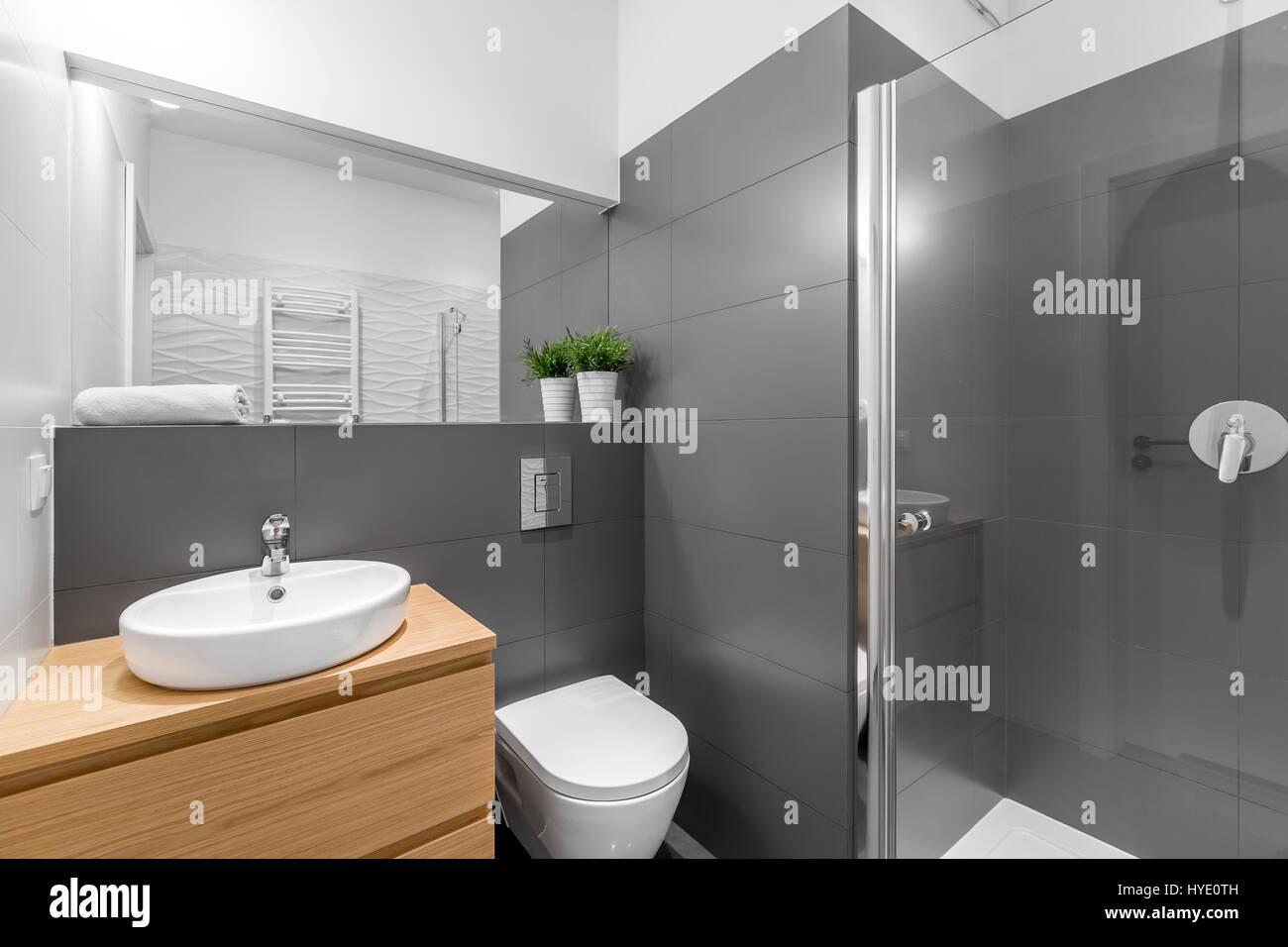 Bagno Legno Bianco : Bagno bianco grigio e legno rivestimento bagno travertino