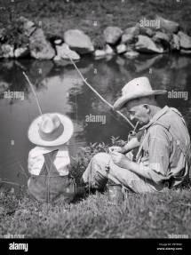 1930 Nonno Nipote Di Indossare Cappelli Paglia Pesca