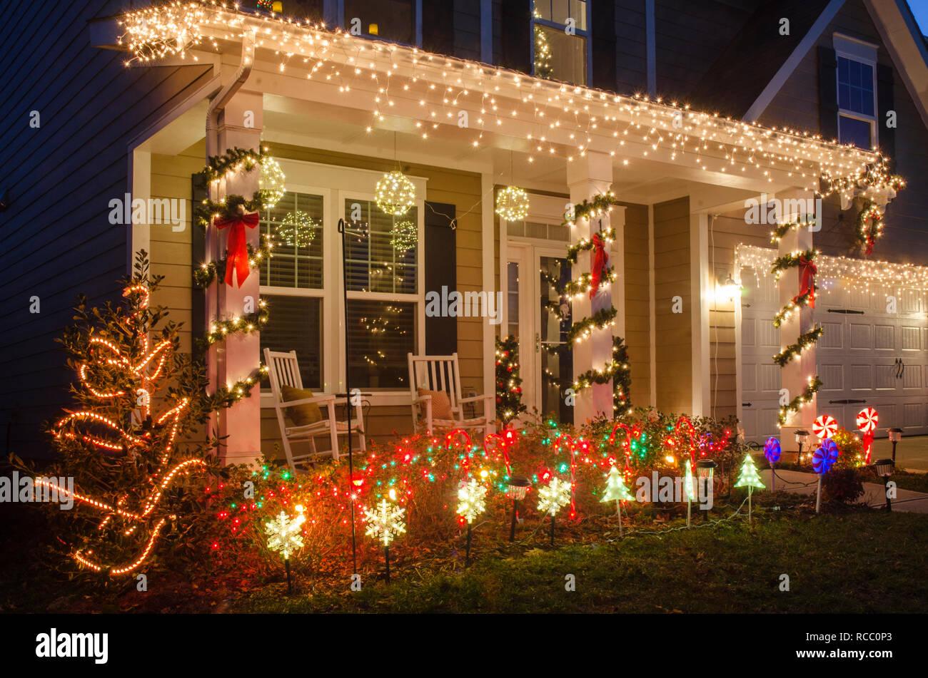 Casafacile > case > idee e soluzioni > idee per decorare la casa a natale. Decorate Case Per Le Vacanze Foto Stock Alamy